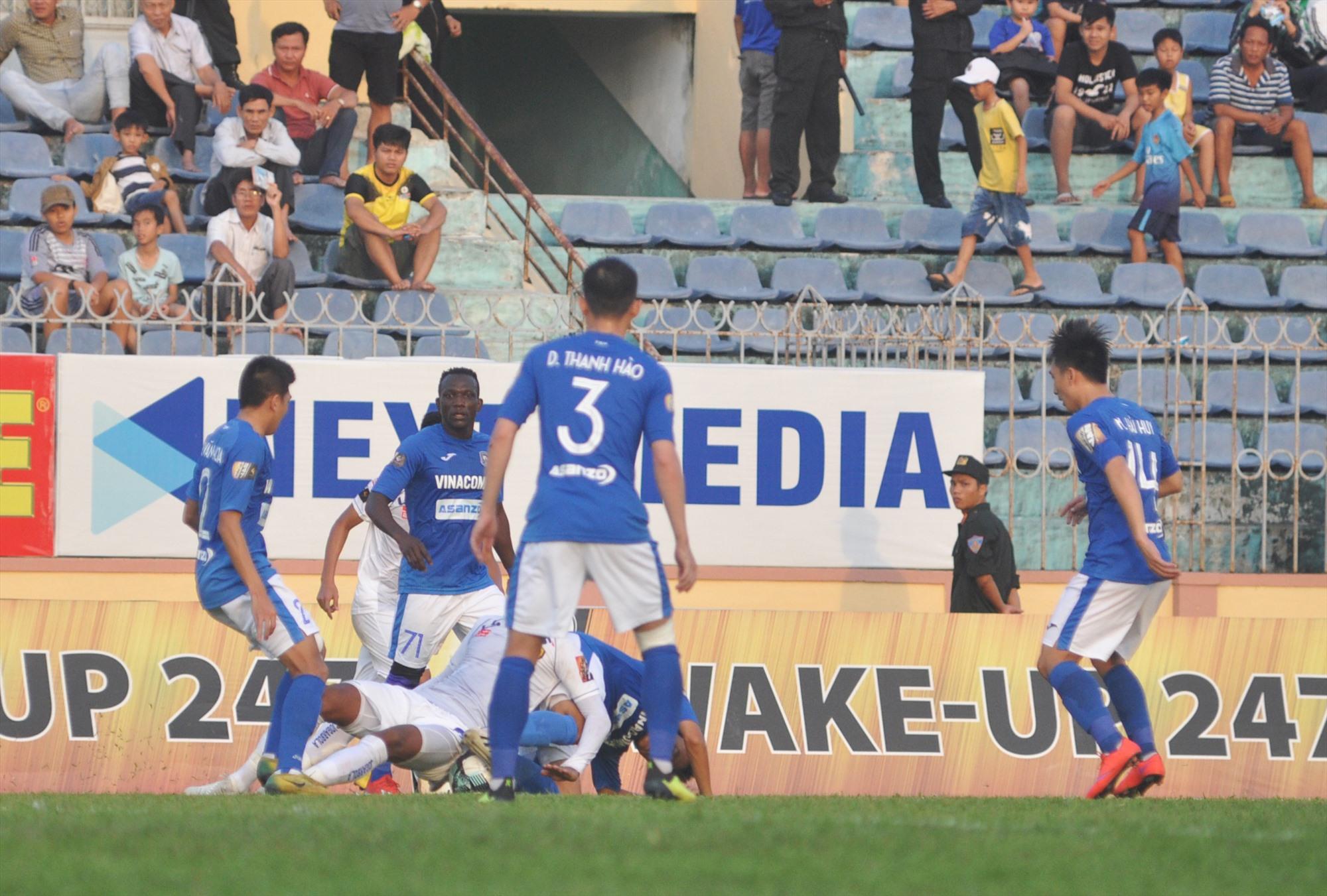 Than Quảng Ninh có bước khởi đầu AFC Cup bằng trận thua đậm. Ảnh: A.S