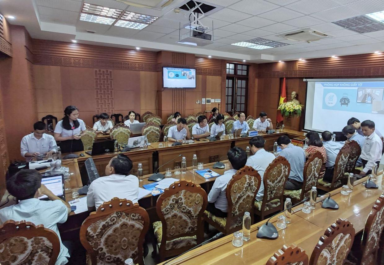 VNPT Quảng Nam đã đầu tư lắp đặt 20 điểm hội nghị truyền hình trực tuyến, bao gồm các điểm cầu tại Văn phòng Tỉnh ủy, Văn phòng UBND tỉnh và Văn phòng HĐND-UBND 18 địa phương cấp huyện trên địa bàn tỉnh. Ảnh: Đ.H