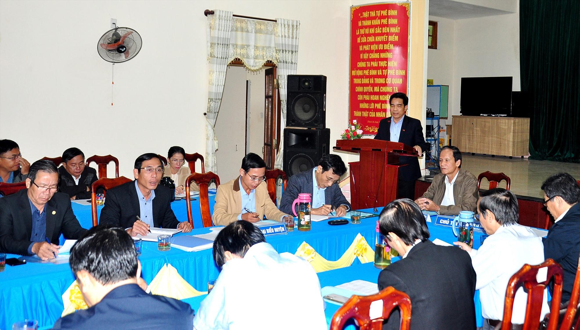 Đoàn công tác của Tỉnh ủy làm việc với Đảng ủy xã Tam Thái - đơn vị được Ban Thường vụ Huyện ủy Phú Ninh chọn tổ chức điểm Đại hội Đảng bộ cấp xã nhiệm kỳ 2020 - 2025. Ảnh: V.ANH