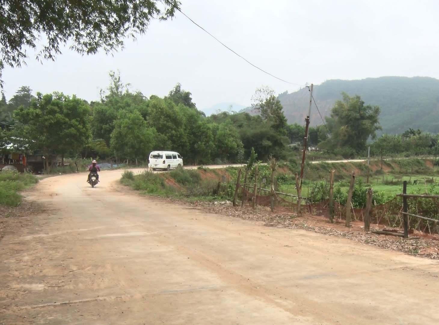 Tuyến ĐH đoạn qua thôn Phước Hội (xã Quế Lâm) được mở rộng, tạo điều kiện phát triển kinh tế, xã hội cho địa phương. Ảnh: LÊ THÔNG
