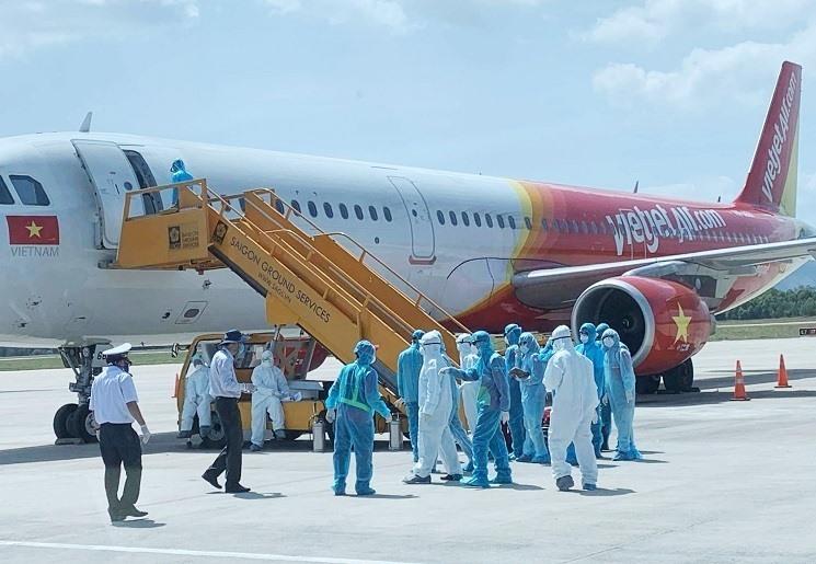 Máy bay chở 80 khách từ Daegu -Hàn Quốc đến Sân bay Quốc tế Đà Nẵng trưa 24.2