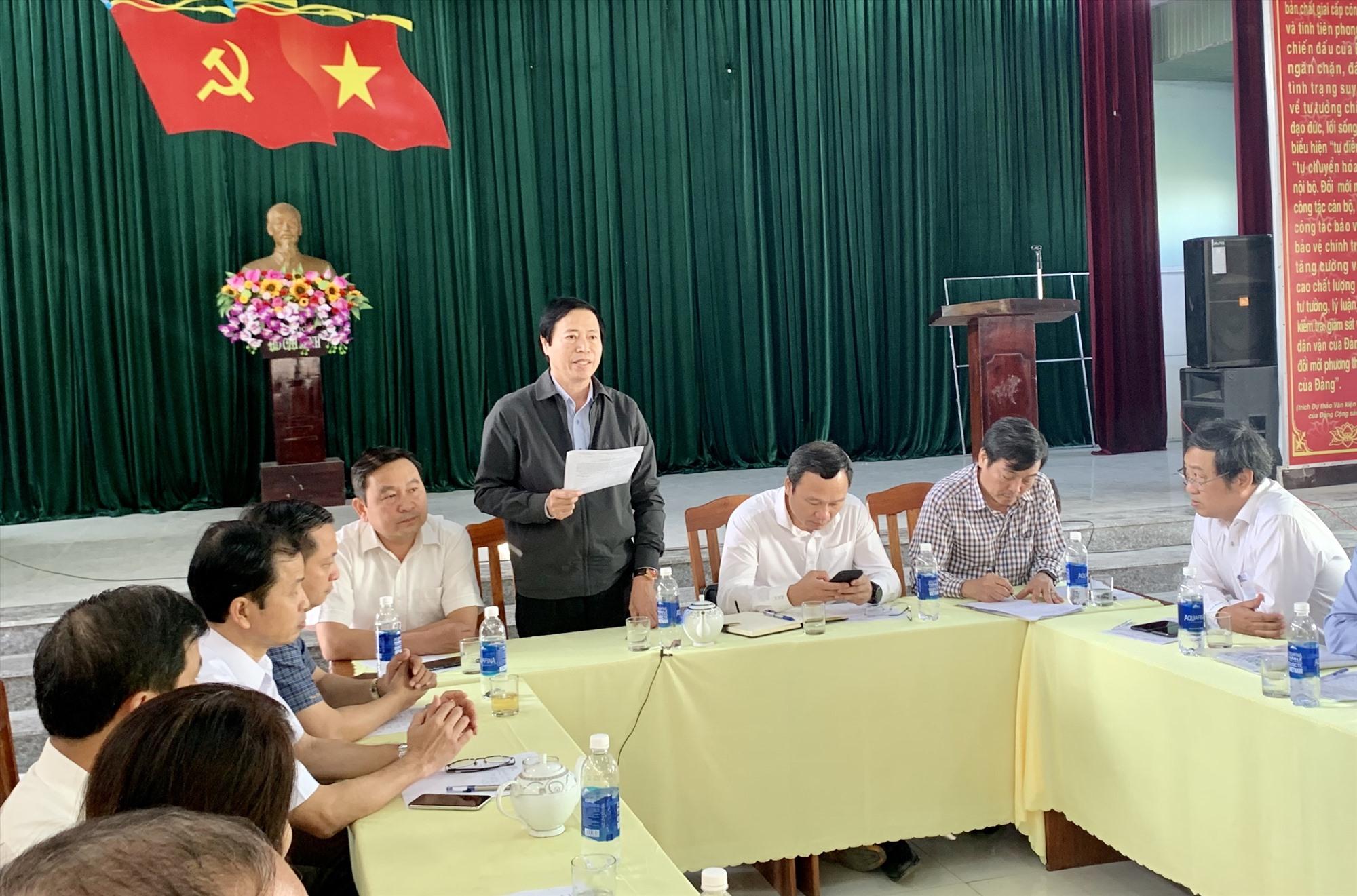Ông Huỳnh Tấn Triều - Giám đốc Sở LĐ-TB&XH tỉnh cho rằng việc cần làm trước mắt là tập trung thăm viếng, động viên gia đình các nạn nhân. Ảnh: Nhóm P.V