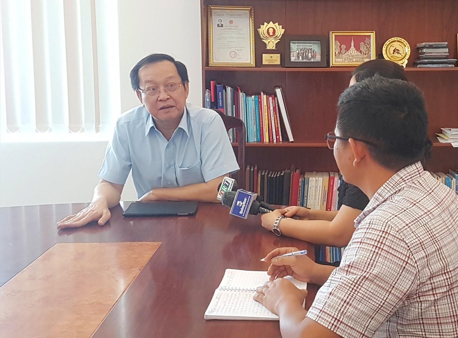 Ông Nguyễn Văn Hai thông tin về sự việc tại Công ty Domex. Ảnh: D.L