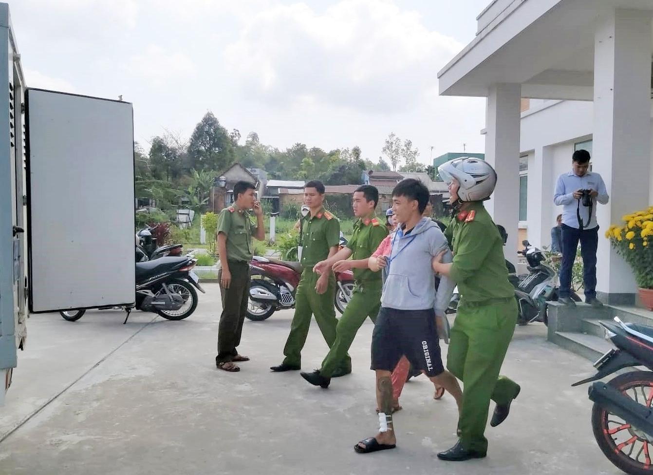 Lực lượng công an đã bắt giữ đối tượng Nguyễn Chí Cường. Ảnh: T.T