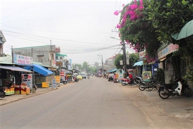 Xã Quế Châu với đường sá khang trang, kinh tế phát triển. Ảnh: M.L