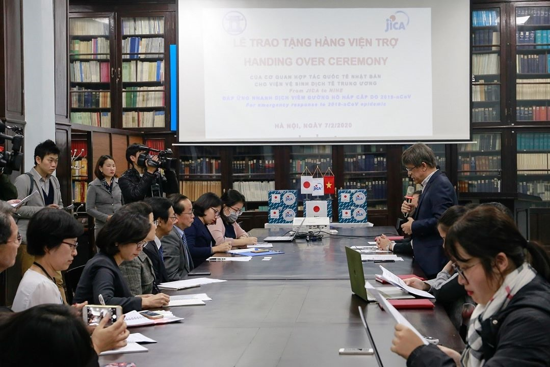 The handover ceremony of biological products between JICA Vietnam Office and NIHE
