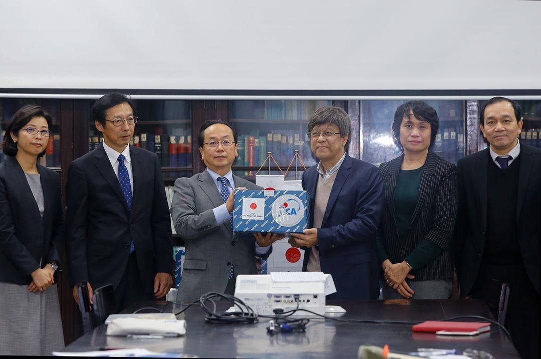 Representatives of JICA Office in Vietnam and NIHE