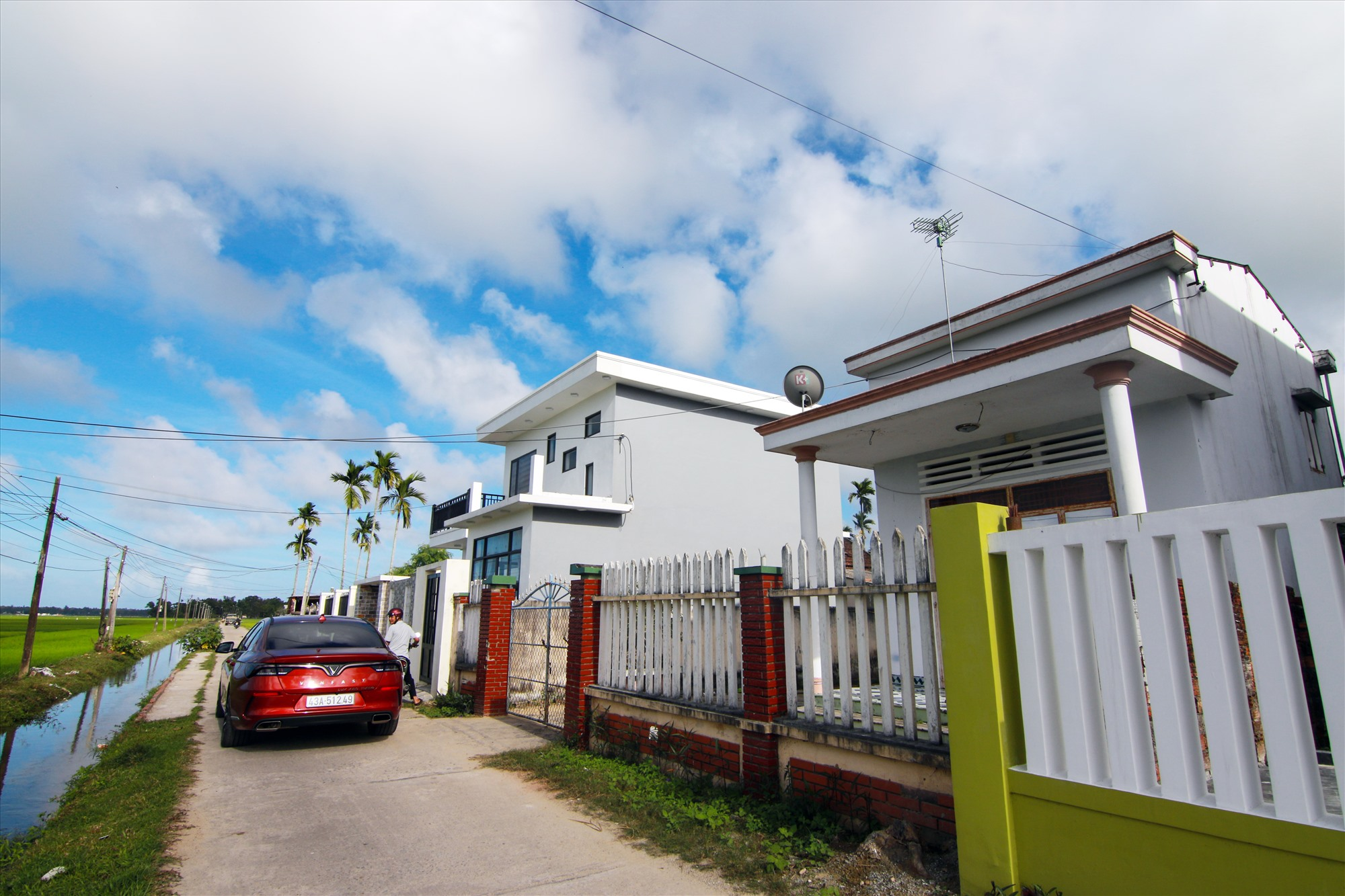 Diện mạo nông thôn mới ở thôn Phú Nam ngày càng khởi sắc. Ảnh: T.C
