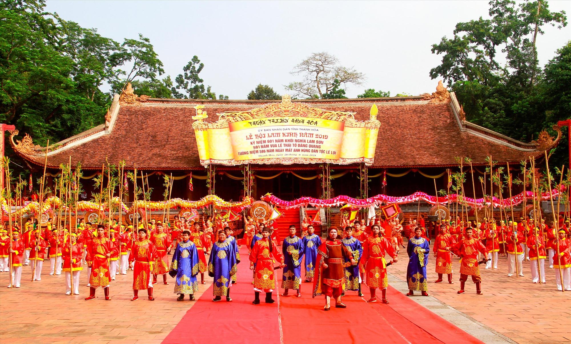 Hằng năm tại di tích Lam Kinh thường tổ chức nhiều lễ hội quy mô nhằm nhắc nhớ truyền thống dân tộc.