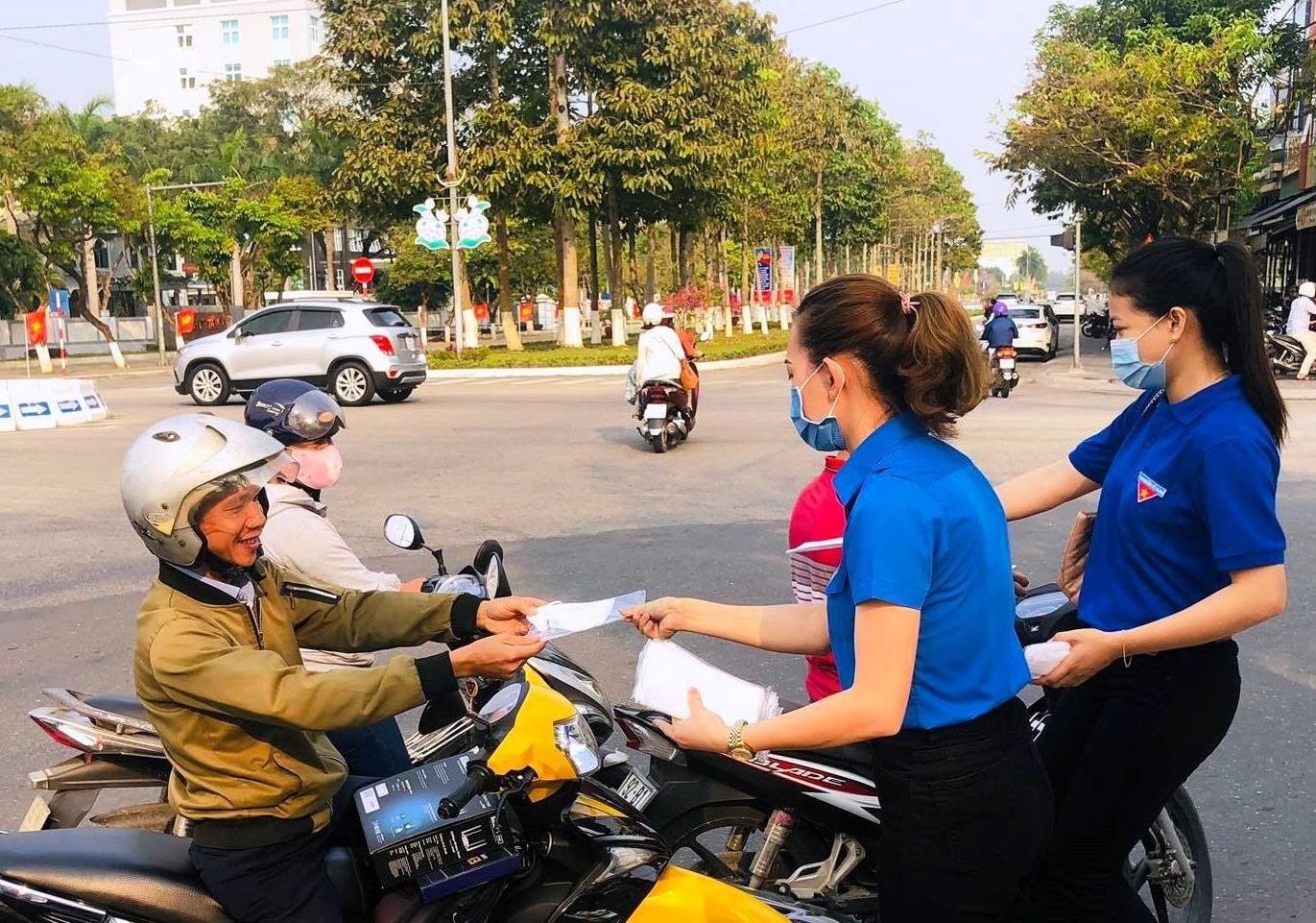 Đoàn viên thanh niên Chi đoàn Khách sạn Bàn Thạch