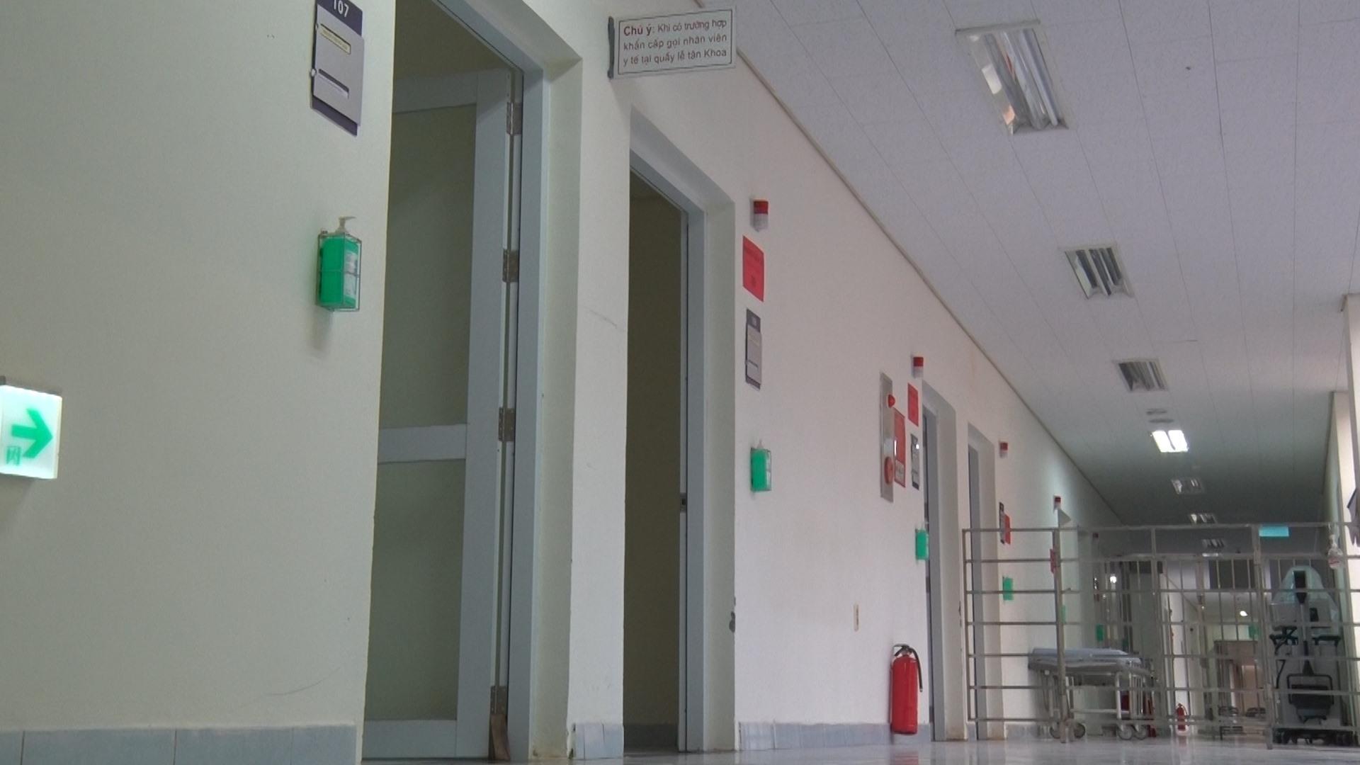 Khu vực cách ly đặc biệt - nơi đang điều trị bệnh nhân nhiễm Covid-19 thứ 57. Ảnh: Đ. ĐẠO