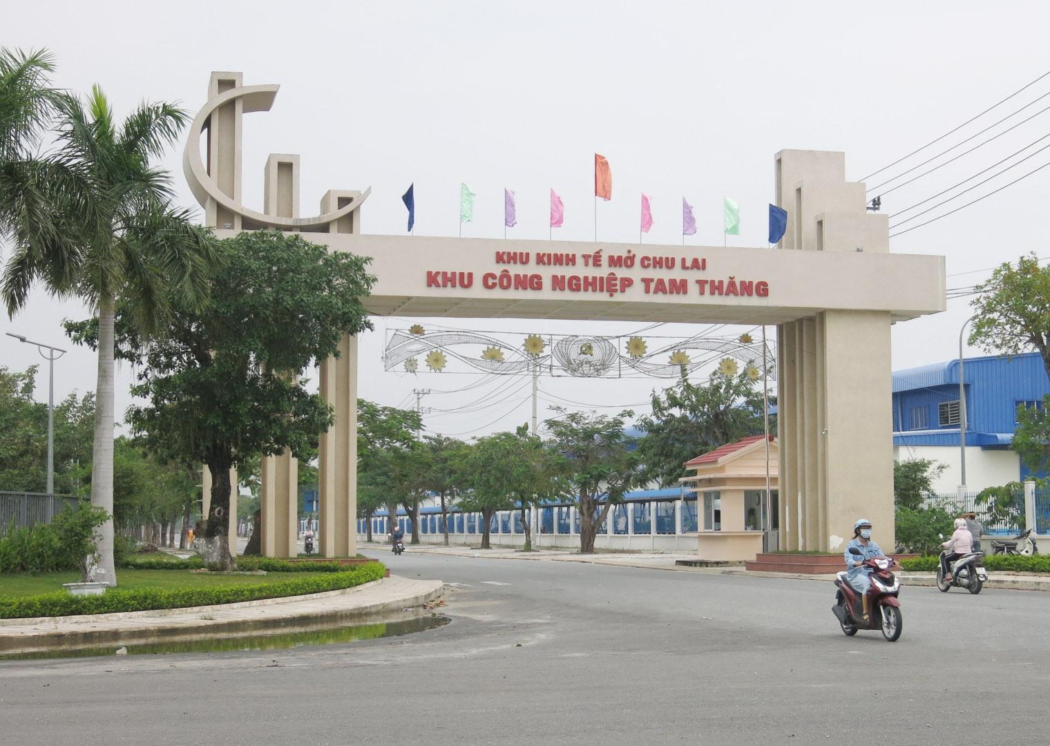 Đến nay, Khu công nghiệp Tam Thăng vẫn là địa chỉ thu hút đầu tư hàng đầu trên địa bàn tỉnh.Ảnh: T.D
