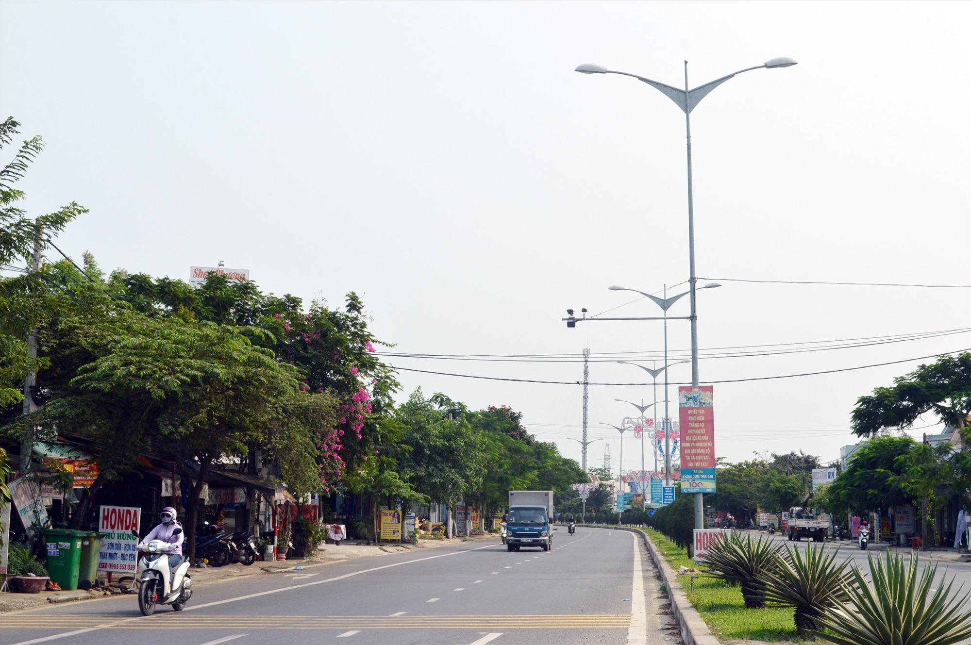 Nhiều tuyến đường, vị trí trọng điểm đã được Công an phường Điện Ngọc đặt camera an ninh. Ảnh: G.K