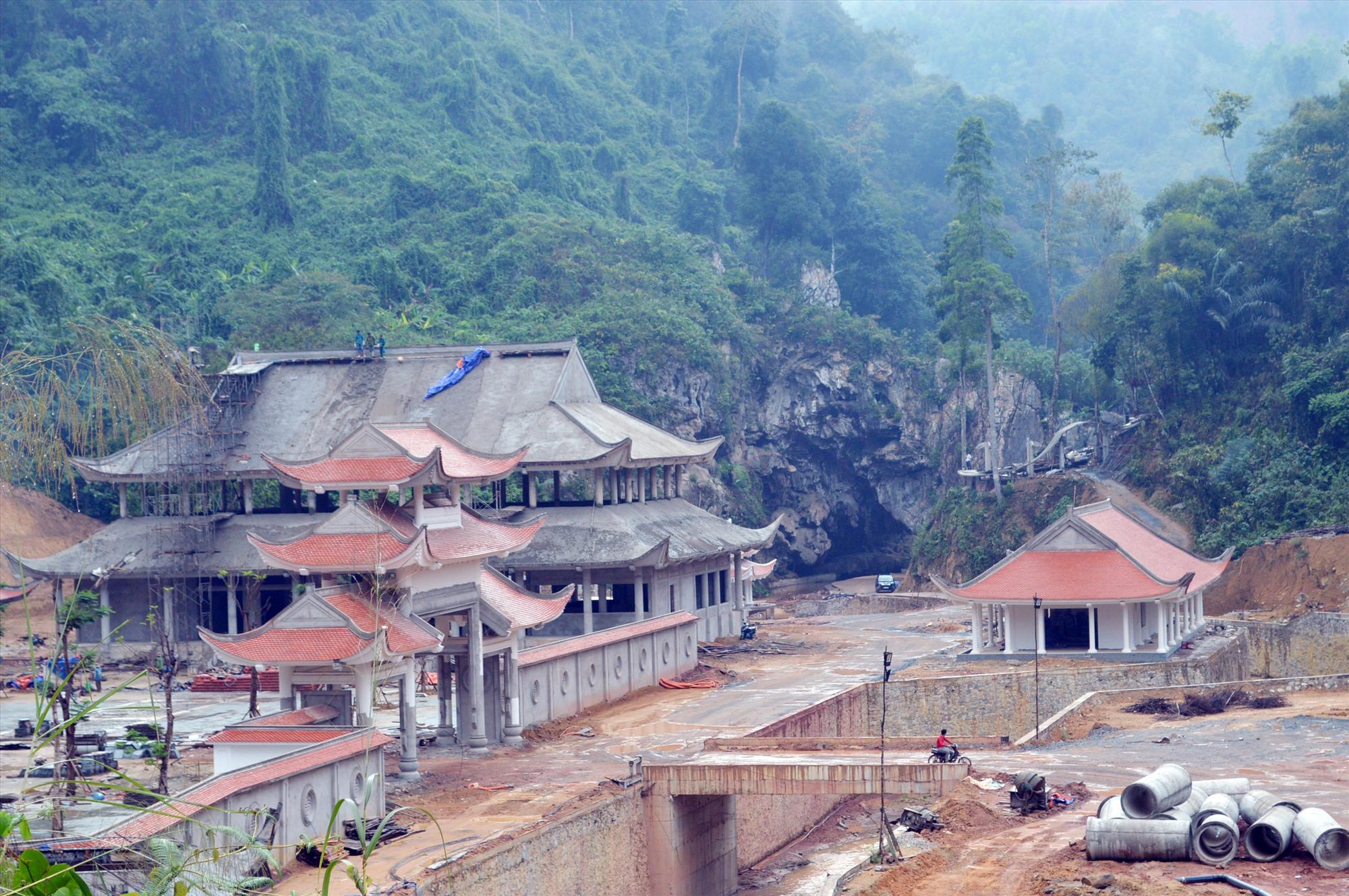 Dự án Khu du lịch Sinh thái Cổng Trời Đông Giang phải giãn tiến độ thi công do dịch bệnh Covid-19. Ảnh: V.L