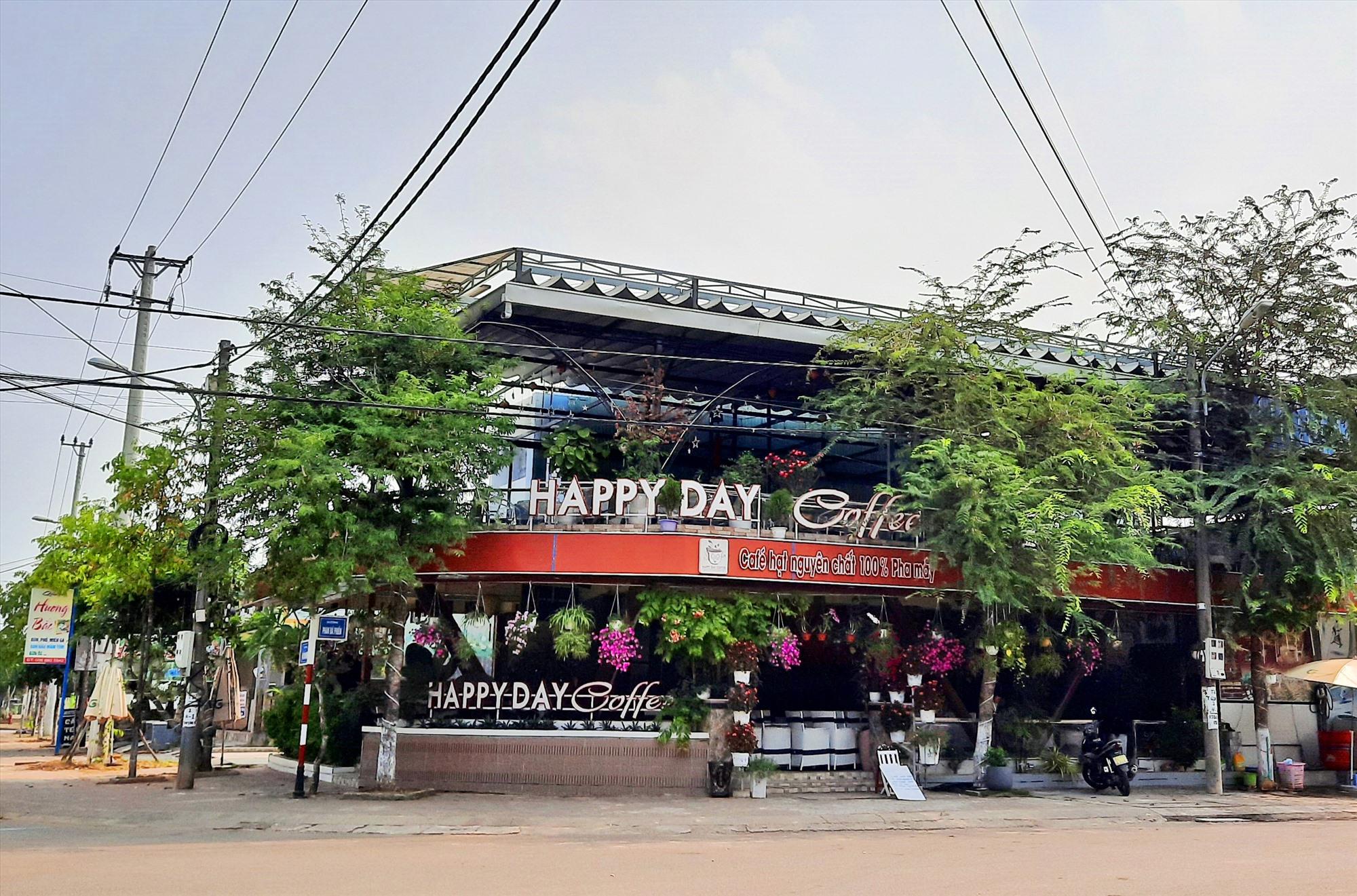 Nhiều hàng quán trên địa bàn huyện Núi Thành tạm đóng cửa chấp hành tốt Chỉ thị 15.