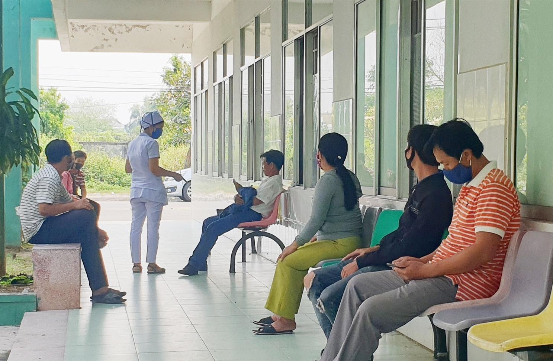 """Từ ngày 30.3, người nuôi bệnh tại Bệnh viện Đa khoa Quảng Nam được lấy lời khai sơ bộ về """"tiểu sử"""" cá nhân để phòng chống dịch Covid-19"""