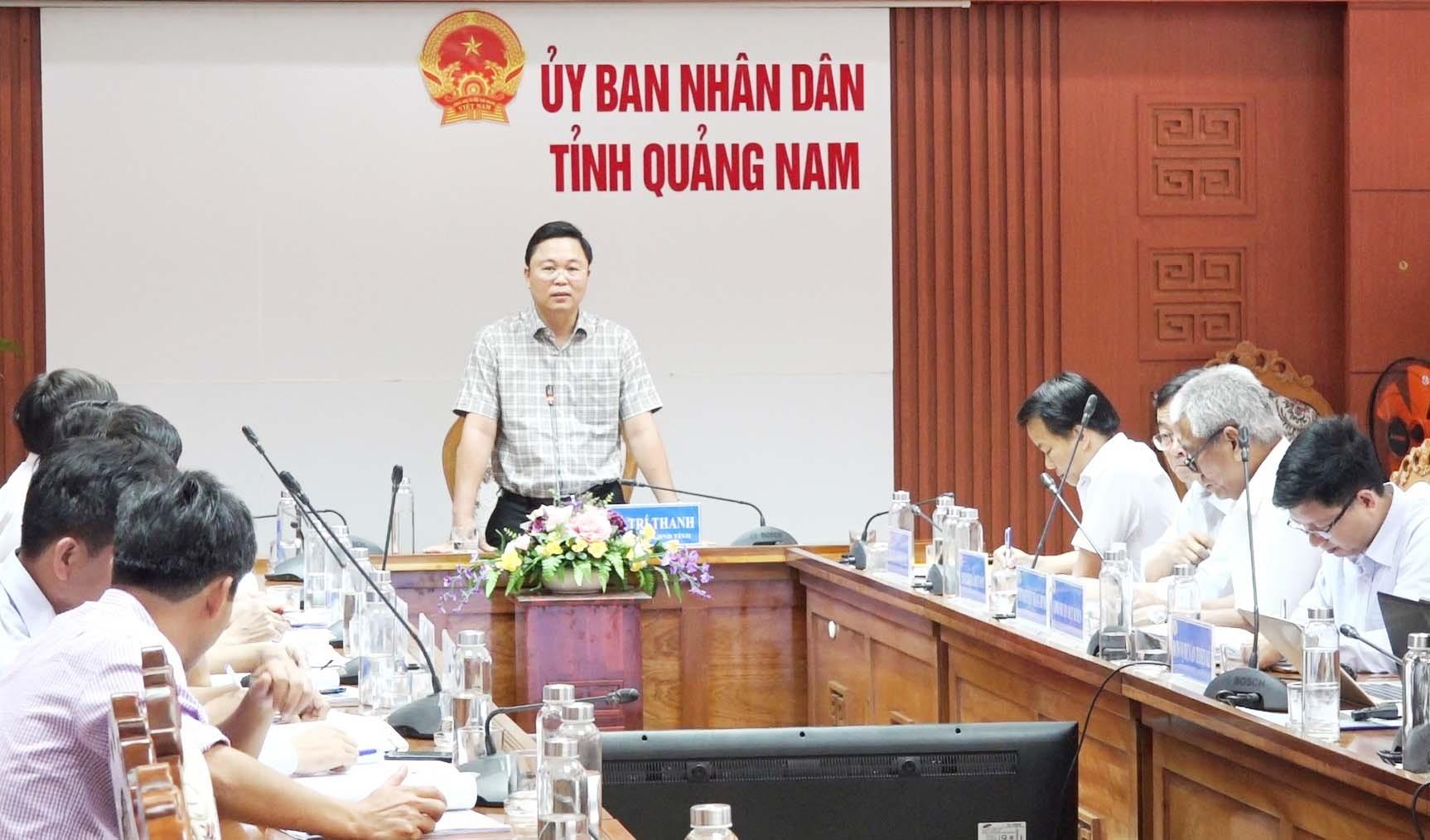 Chủ tịch UBND tỉnh Lê Trí Thanh yêu cầu các sở, ban ngành cần tính toán nhiều phương án để dự án đạt hiệu quả cao.Ảnh: P.V