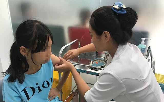 Tiêm vắc xin phòng bệnh dại. (Ảnh minh họa)