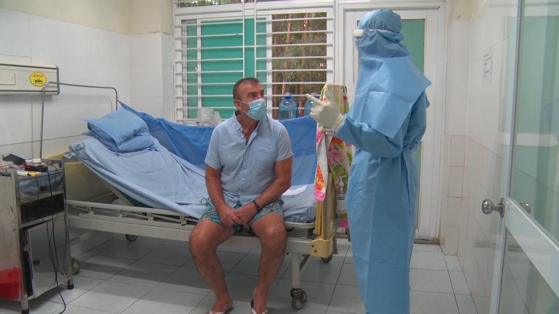 Bệnh nhân 57 đang được điều trị tại Bệnh viện Đa khoa Trung ương Quảng Nam có kết quả xét nghiệm âm tính lần 1. Ảnh: Đ.Đ