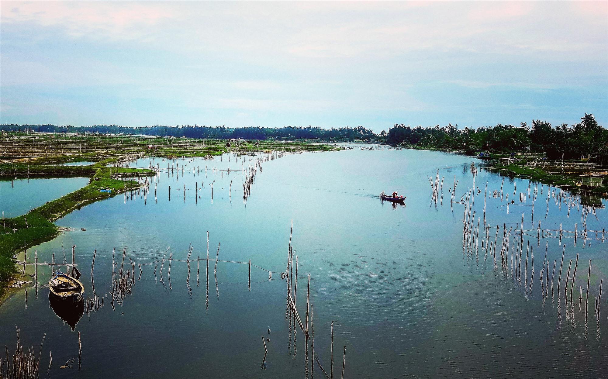 Có kế hoạch, định hướng khai thác hiệu quả lợi thế từ các dòng sông sẽ góp phần quan trọng cho sự phát triển. Ảnh: Q.T