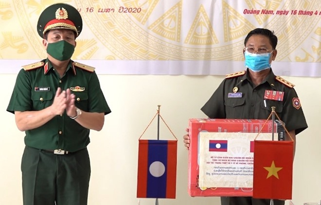 At the handover ceremony of medical equipment. Photo: the 5th Military Region
