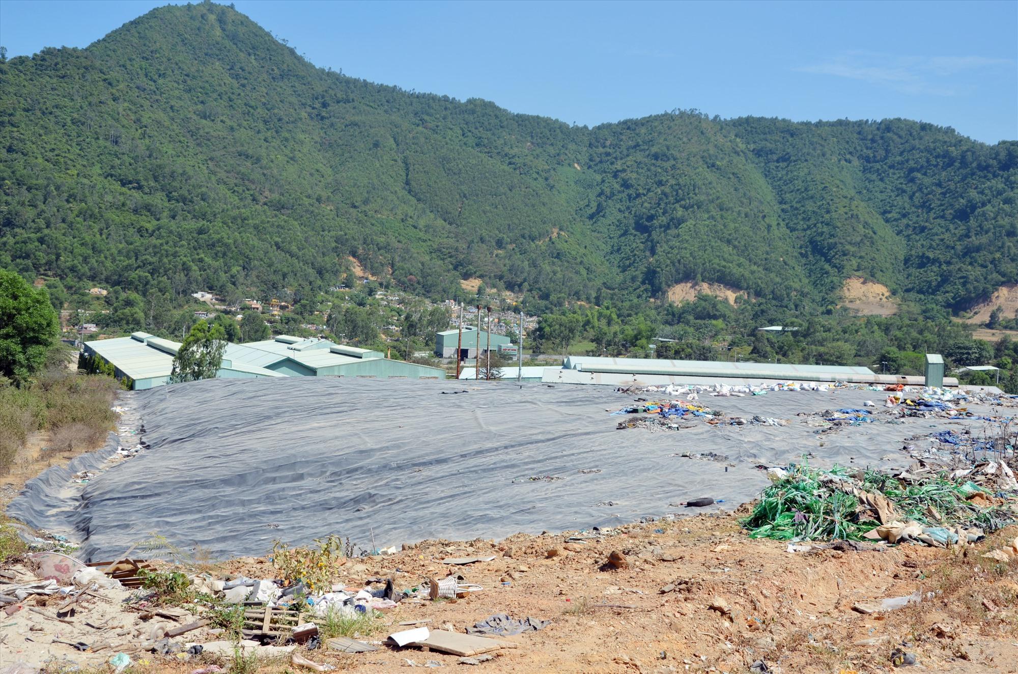 Nhà đầu tư sẽ nhận được nhiều cơ chế hỗ trợ về đầu tư khu xử lý rác thải nếu HĐND tỉnh thông qua trong kỳ họp đến. Ảnh: H.P