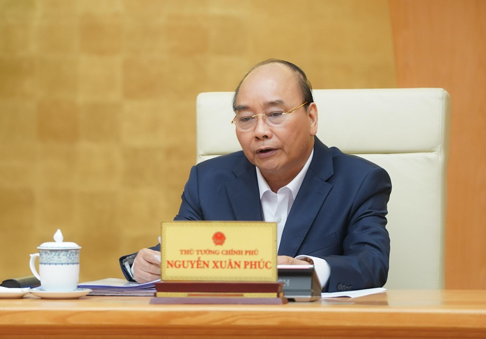 Thủ tướng Nguyễn Xuân Phúc: Từng bước nới lỏng, khôi phục các hoạt động xã hội