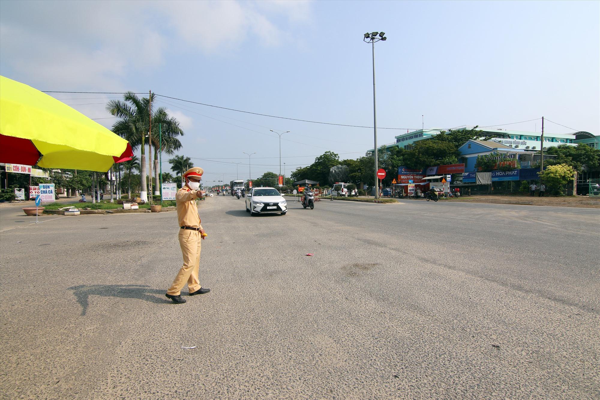 Lực lượng CSGT sẽ tích cực kiểm soát, vừa phòng chống dịch vừa đảm bảo an toàn giao thông trong dịp lễ 30.4, 1.5 năm nay. Ảnh: P.G