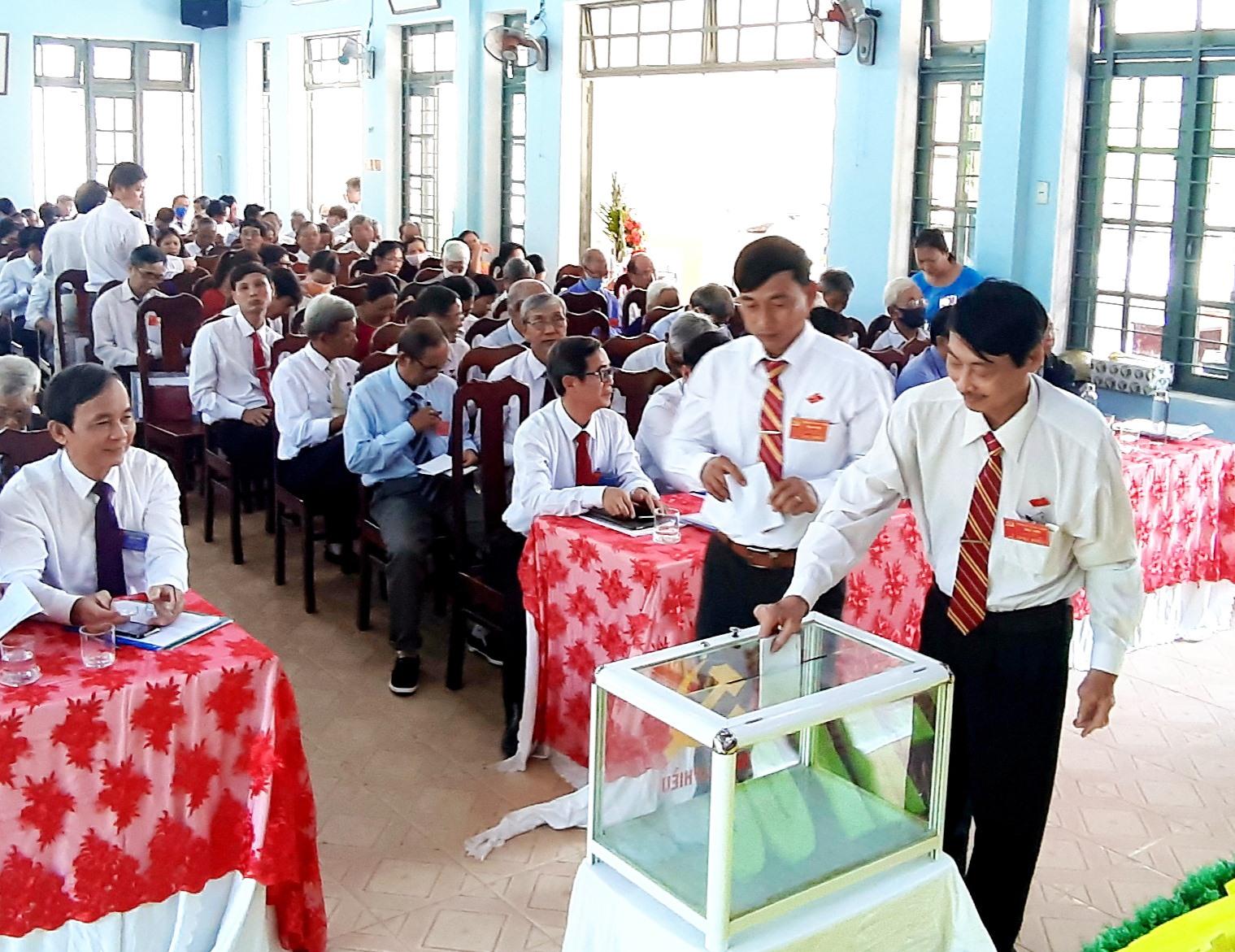 Bầu cử Ban Chấp hành Đảng bộ xã Duy Trinh (Duy Xuyên) nhiệm kỳ 2020 - 2025. Ảnh: HOÀI NHI