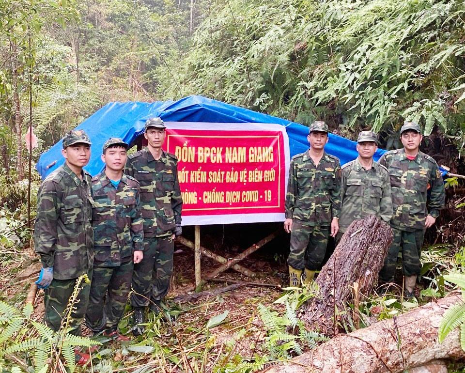 Bộ Chỉ huy Bộ đội Biên phòng tỉnh đã bố trí thêm 15 chốt chặn ở các đường mòn lối mở trên tuyến biên giới để tăng cường kiểm soát, phòng chống dịch Covid-19. Ảnh: T.C