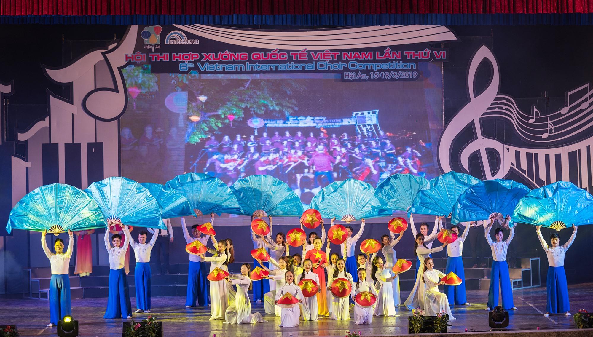 Một tiết mục múa do Trần Như Hà biên đạo.