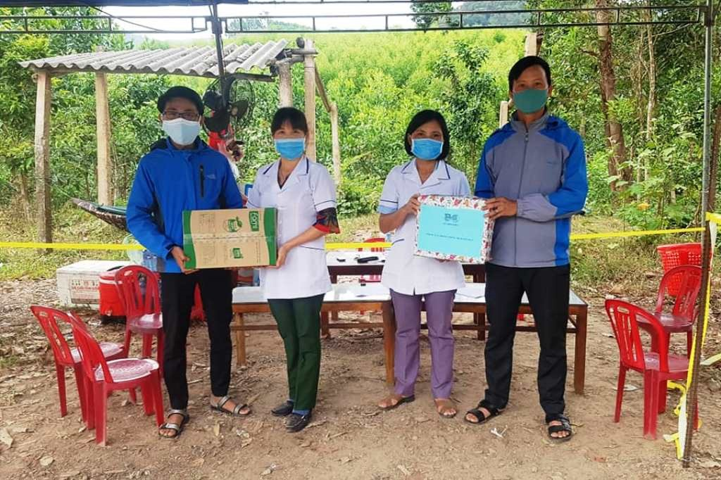 Tuổi trẻ Sơn Viên chung sức phòng chống dịch Covid-19 trong cộng đồng. Ảnh: CTV