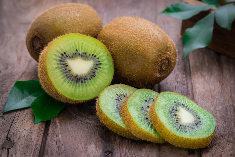 Ăn kiwi tốt cho người huyết áp cao. Ảnh: Internet