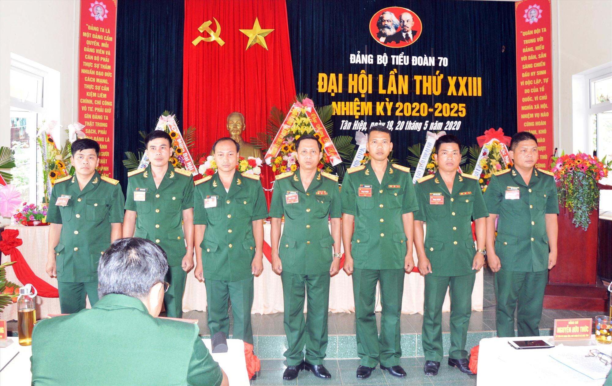 Ban chấp hành Đảng bộ Tiểu đoàn 70, nhiệm kỳ 2020-2025 ra mắt tại Đại hội.