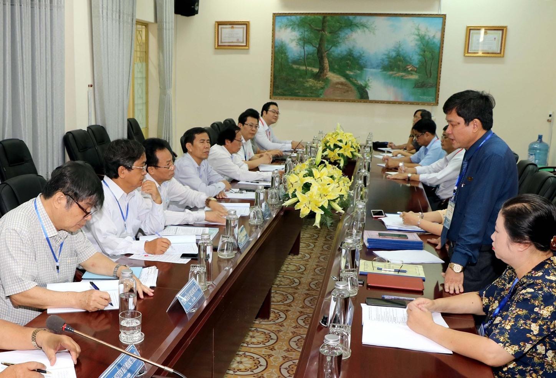 Đoàn Khảo sát phỏng vấn lãnh đạo Trường Đại học Quảng Nam. Ảnh: CHÂU HÙNG