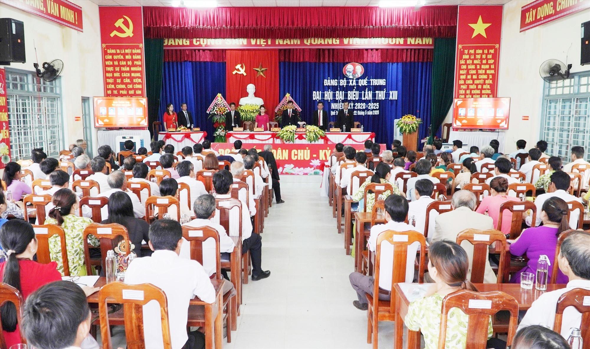 Quang cảnh Đại hội Đảng bộ xã Quế Trung lần thứ XIII, nhiệm kỳ 2020 - 2025. Ảnh: PHAN VINH