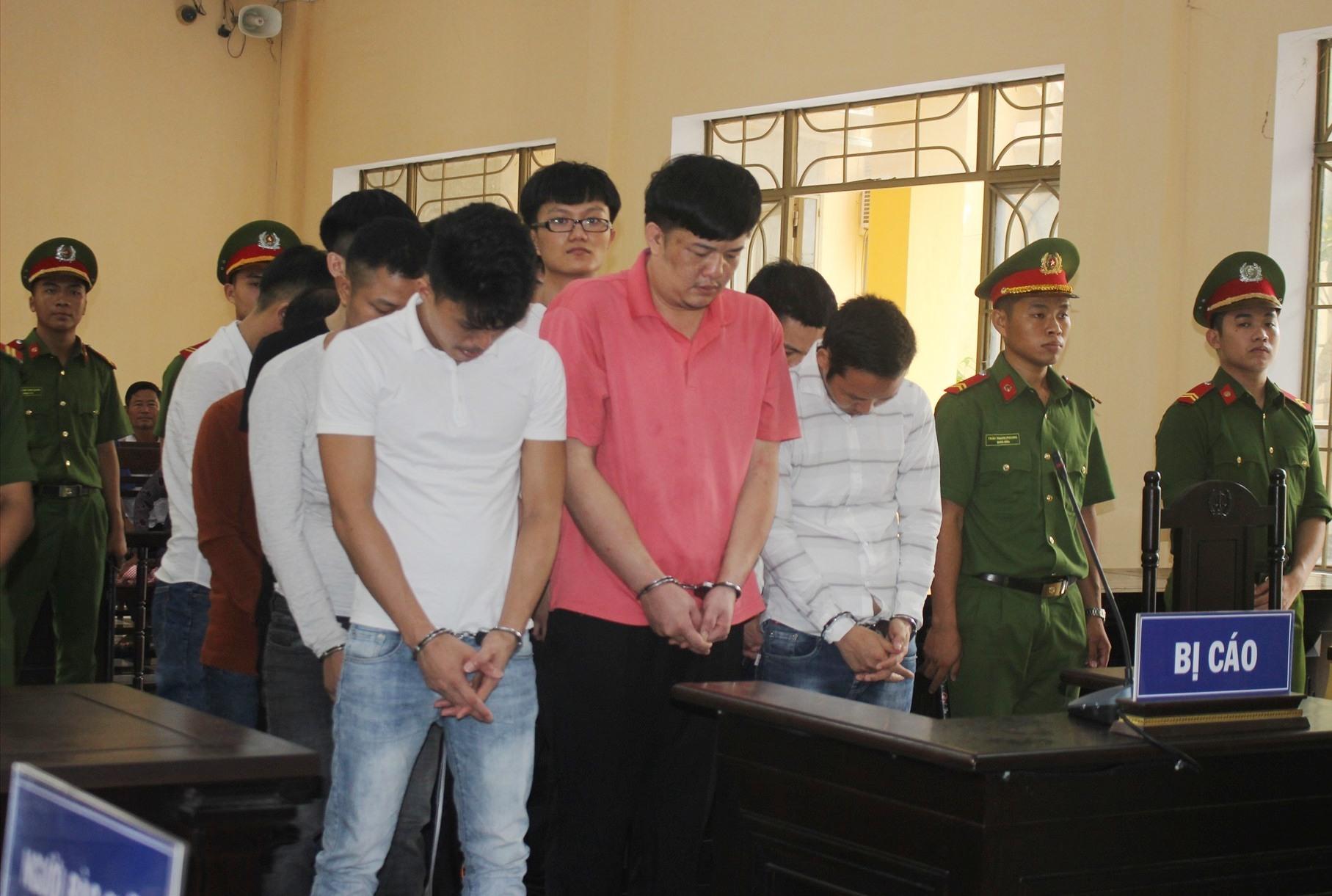 Các bị cáo tại tòa. Ảnh: Đ.C