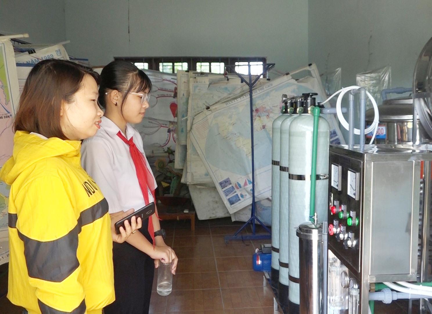 Hệ thống nước sạch tại Trường THCS Nguyễn Tri Phương (Bình Quế, Thăng Bình) do Tổ chức COV tài trợ. Ảnh: B.T