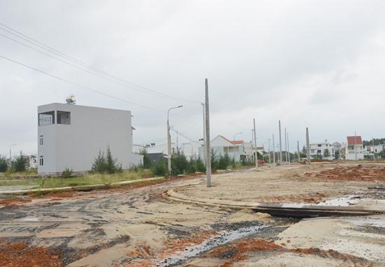 Nhiều địa phương vùng đông được hỗ trợ dự án xây dựng hệ thống hồ sơ địa chính và cơ sở dữ liệu quản lý đất đai.Ảnh: T.H