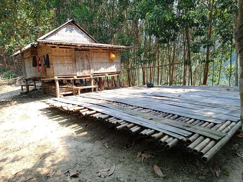 Zơng ( nhà Duông) của người Cơ Tu ở Atung, xã Lăng. Ảnh: Hữu Phú