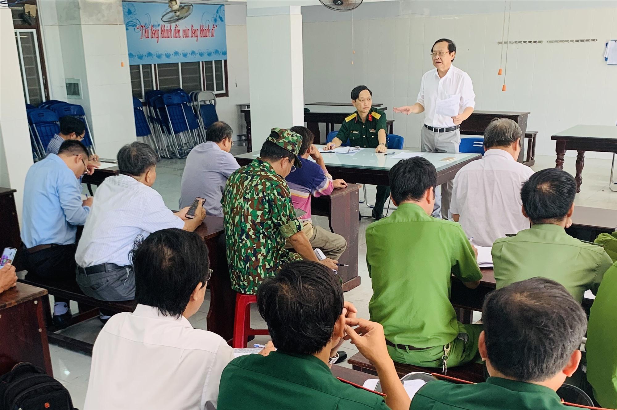 Ông Nguyễn Văn Hai - Giám đốc Sở Y tế tỉnh yêu cầu các đơn vị tập trung phòng trước các tình huống ngoài kế hoạch. Ảnh: PHAN VINH