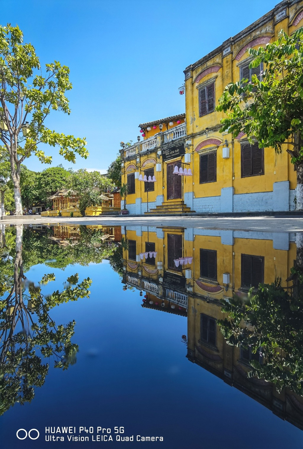 Hoi An in summer appears to be more dynamic and energetic. So it encourages visitors to explore everywhere in the city, tasting as many specialties as possible and enjoying the fresh atmosphere there. Photo: newzings