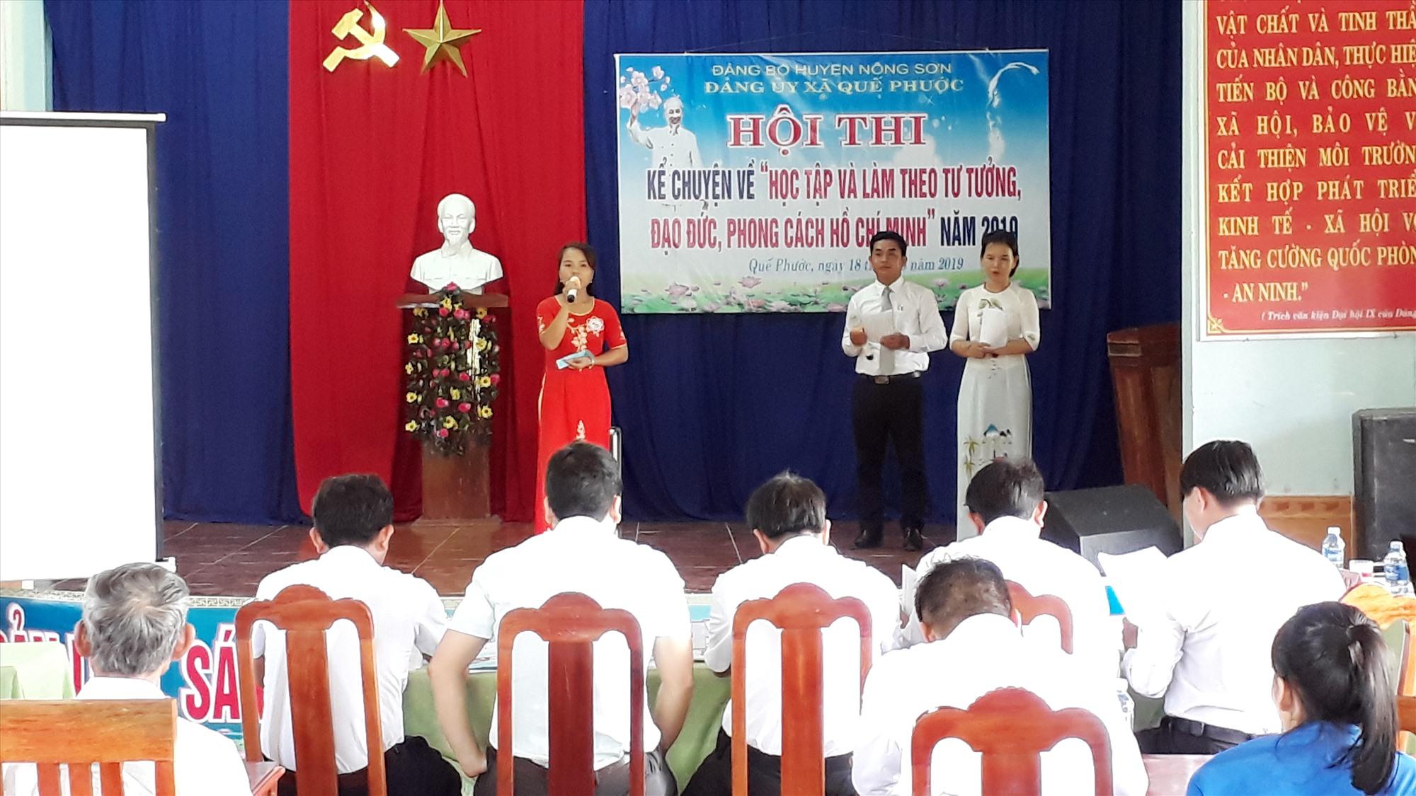 Hội thi kể chuyện Học tập và làm theo tư tưởng, đạo đức, phong cách Hồ Chí Minh ở xã Quế Phước. Ảnh: HOÀNG LIÊN