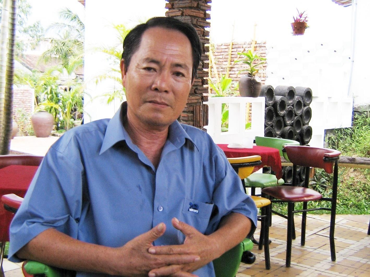 Nhạc sĩ Vũ Đức Sao Biển trong một lần về quê nhà Quảng Nam vào năm 2006. Ảnh: P.C.A.