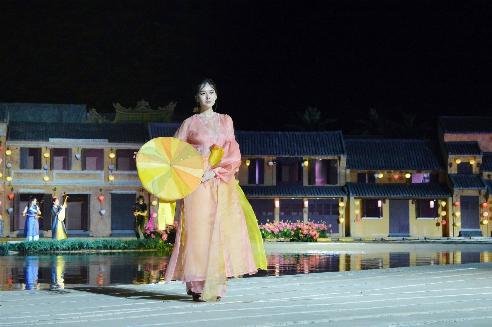 The festival aimed to attract tourists to Hoi An and contribute to the conservation and promotion of Vietnam's cultural heritages.