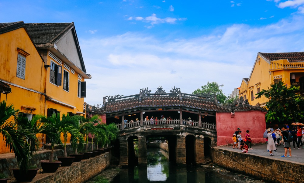 Japanese bridge, the heart of Hoi An city. Photo: baocantho