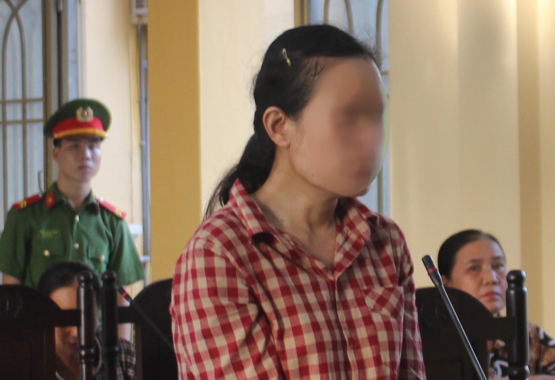 Đối tượng Phạm Thị Nghĩa bị tuyên phạt 11 năm tù giam, buộc khắc phục thiệt hại cho những nạn nhân. Ảnh: T.C
