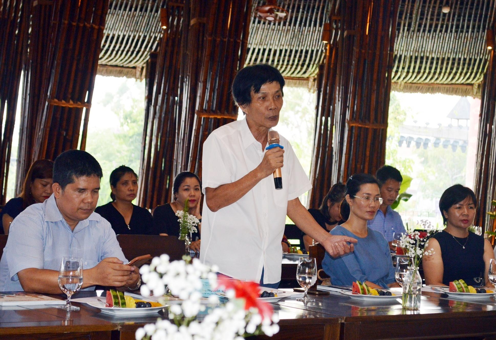 Ông Nguyễn Sự phát biểu tại buổi tọa đàm