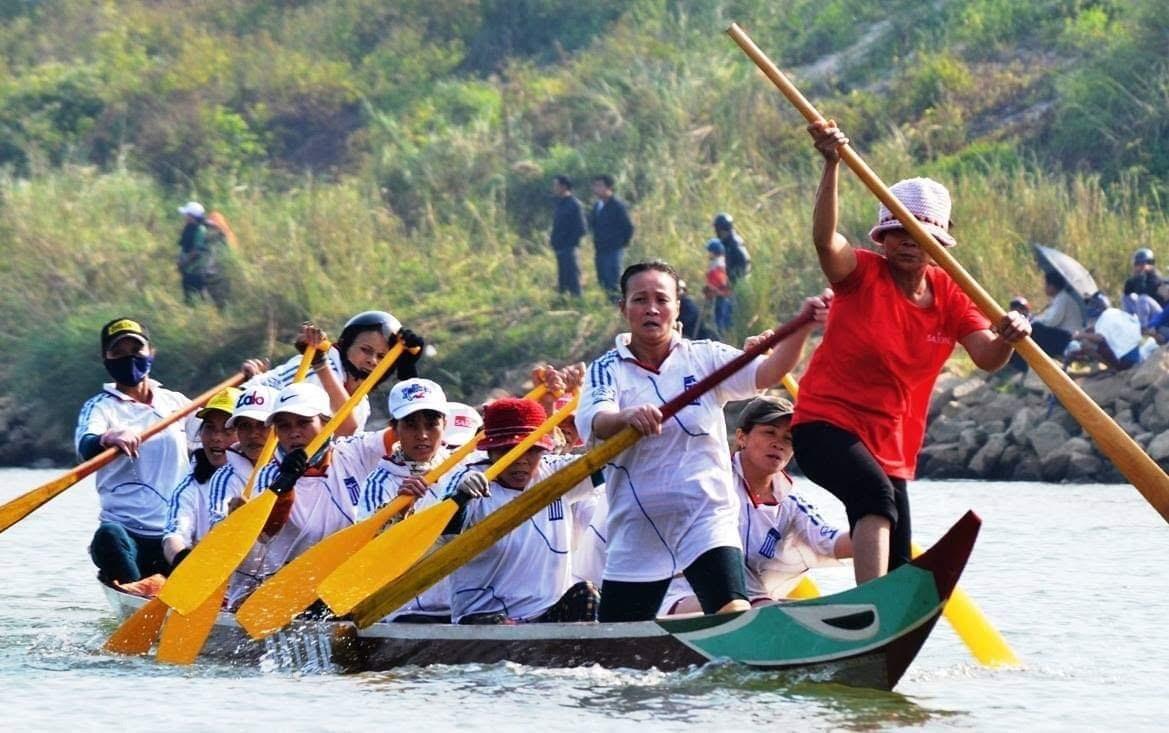 Đáp ứng các hoạt động văn hóa thể thao là cách để xây dựng môi trường văn hóa lành mạnh tại cơ sở. Ảnh: S.T