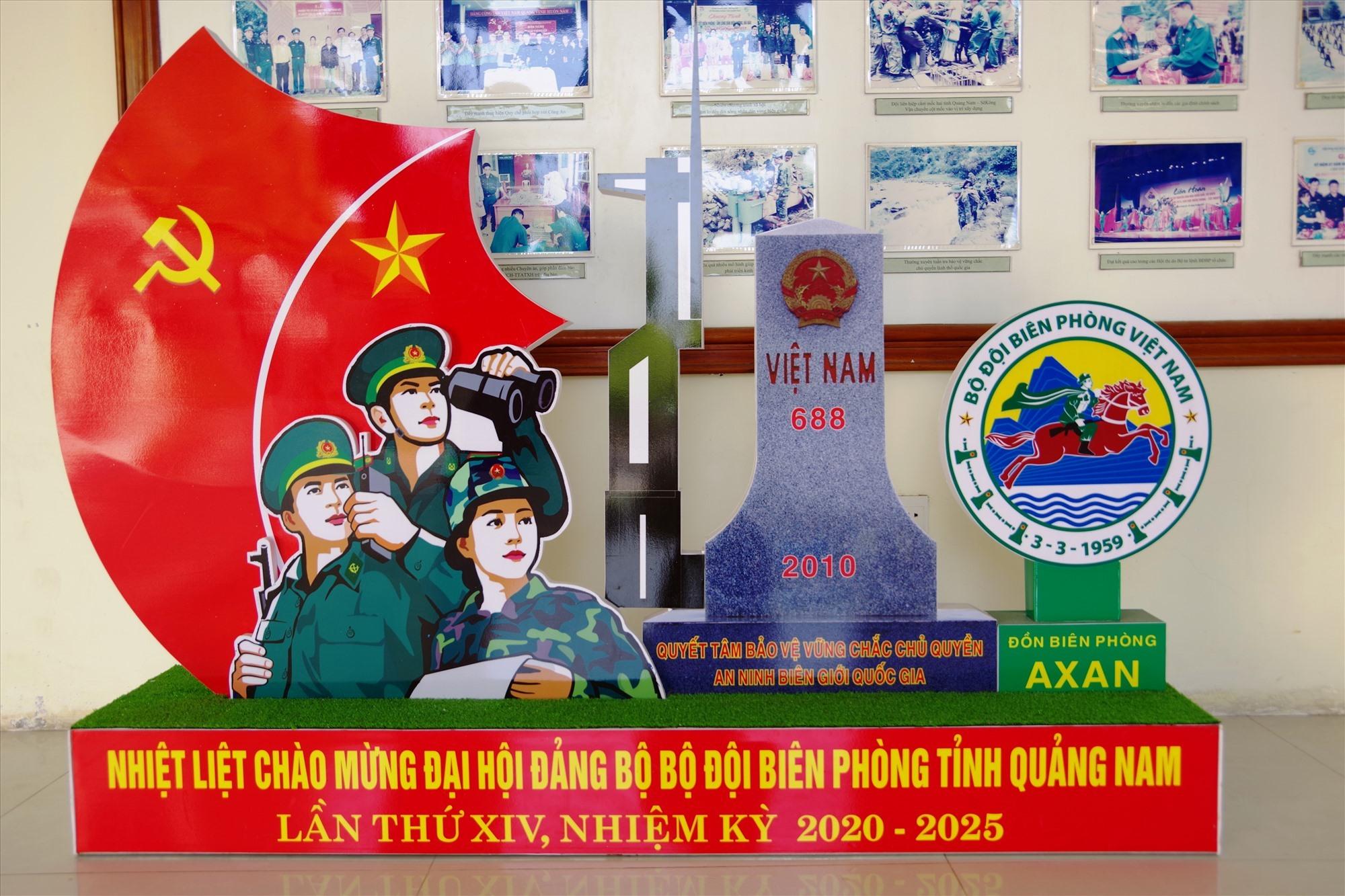 Mô hình chào mừng Đại hội Đảng bộ Bộ đội Biên phòng tỉnh Quảng Nam lần thứ XIV của Đồn Biên phòng A Xan. Ảnh: VĂN VINH